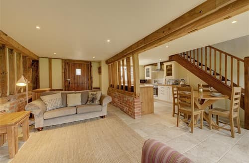 Last Minute Cottages - Sewell Barn, Sutton