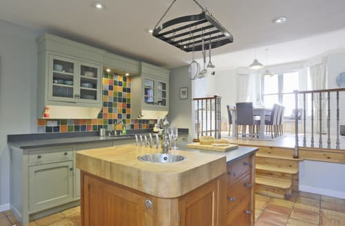 Last Minute Cottages - Yolande House, The Terrace