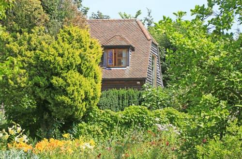 Last Minute Cottages - Vale View