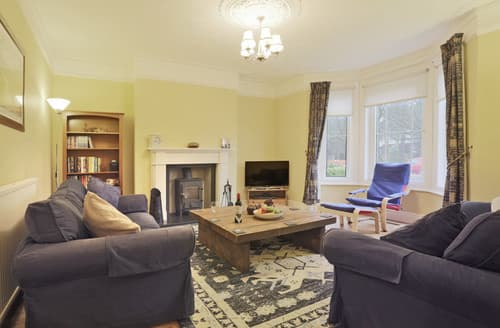 Last Minute Cottages - Traeth House