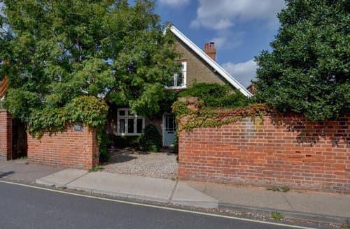 Big Cottages - Samphire House