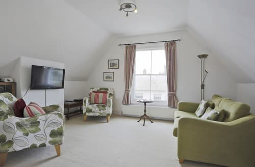 Last Minute Cottages - Aldeburgh Seaview