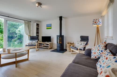 Last Minute Cottages - Marsh View