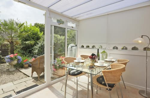 Last Minute Cottages - Little Chequers