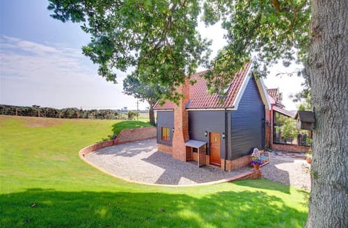 Last Minute Cottages - Marsh Cottage Hide
