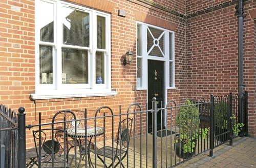 Dog Friendly Cottages - 3 Eversley Court