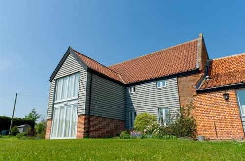 Last Minute Cottages - Stackyard Lodge