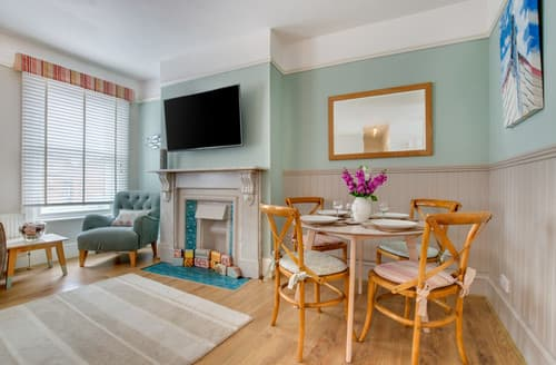Big Cottages - Southwold Gallery Apartment