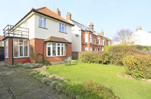 Dog Friendly Cottages - Holly House