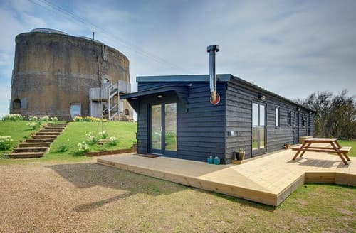 Last Minute Cottages - The Martello Boathouse