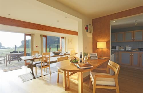 Last Minute Cottages - Marshland Estate Barn