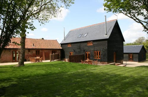 Last Minute Cottages - Red House Barns, Sternfield