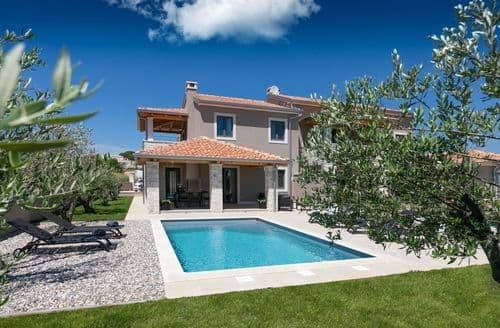 Last Minute Cottages - Villa Flora Abrega