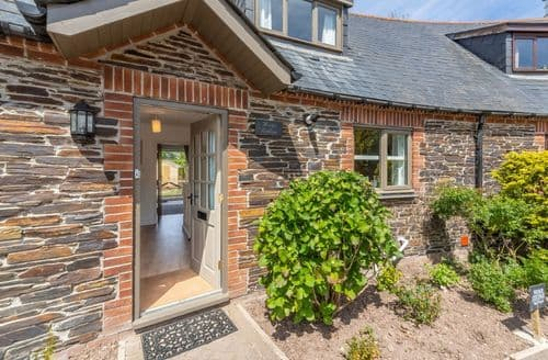 Last Minute Cottages - Wedge Cottage, Roserrow