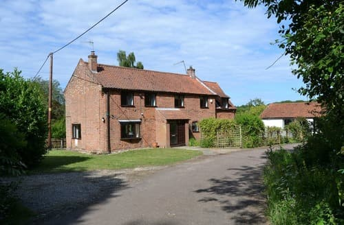 Last Minute Cottages - Staithe Lodge