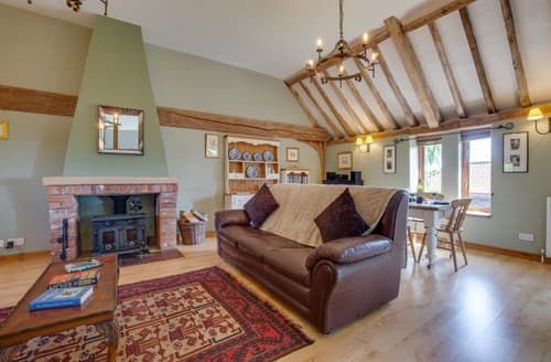 Last Minute Cottages - Chestnut Barn