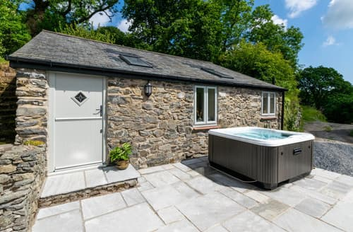 Last Minute Cottages - Cwt Bach