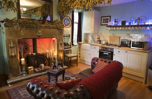 Last Minute Cottages - The Little Absinthe Cottage