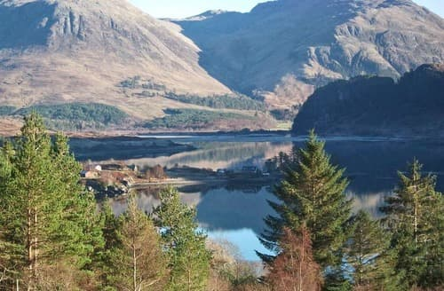 Last Minute Cottages - Loch Long View