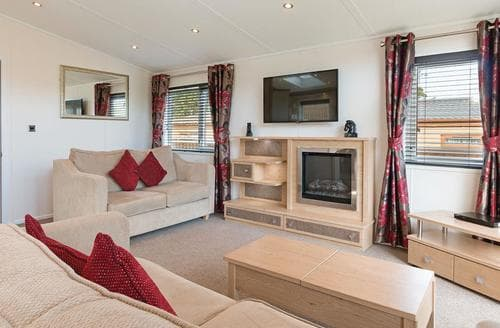 Last Minute Cottages - Silver Birch Lodge