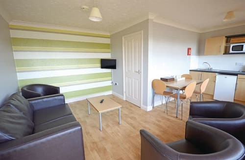 Last Minute Cottages - Gold 3 bed Apartment Ground floor