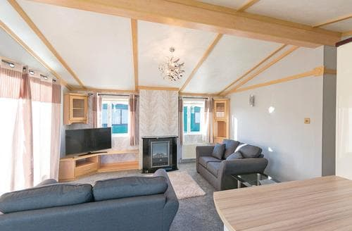 Last Minute Cottages - Sunset Daisy Holiday Home