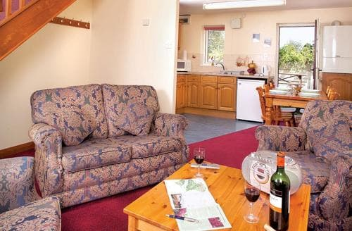 Last Minute Cottages - White Rose Cottage 3
