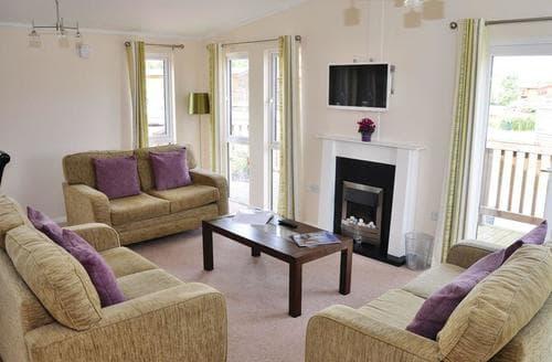 Last Minute Cottages - York Luxury Lodge