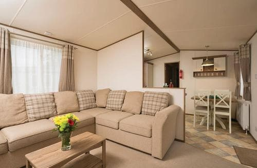 Last Minute Cottages - Luxury Caravan 6