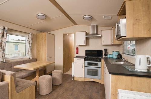 Last Minute Cottages - Superior Caravan 6
