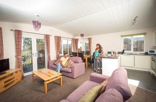 Last Minute Cottages - SM 3 Bed Gold Lodge Plus (Pet)