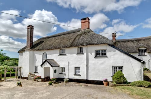 Last Minute Cottages - Nethercott Manor