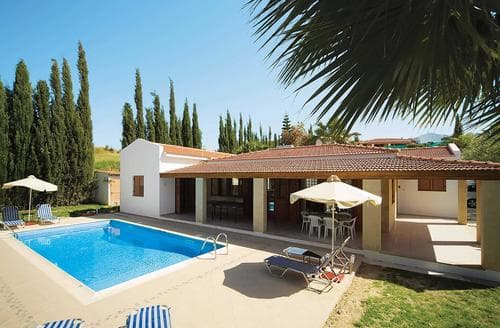 Last Minute Cottages - Fostira
