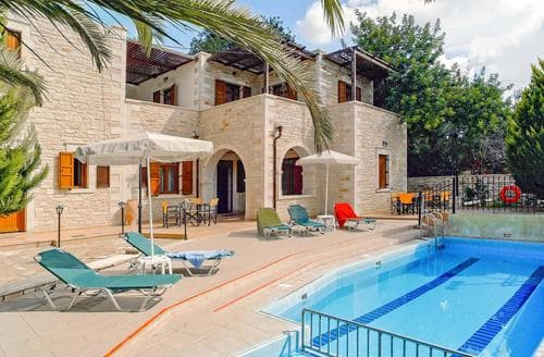 Last Minute Cottages - Markos Chara