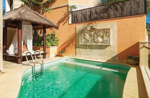Last Minute Cottages - Villa Majestic