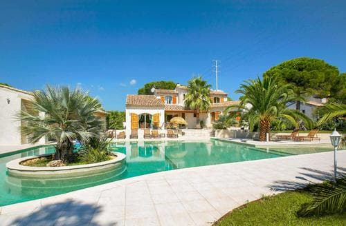 Last Minute Cottages - La Sienda