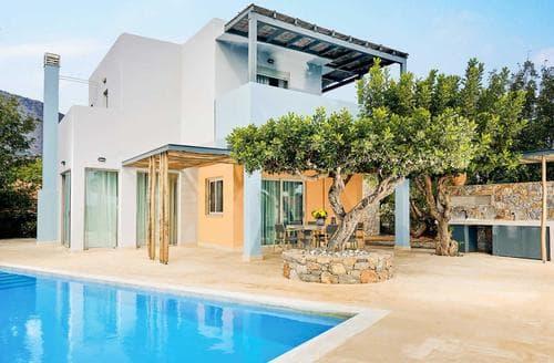 Last Minute Cottages - Domes Private Villa II