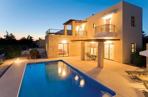 Last Minute Cottages - Villa Anthia