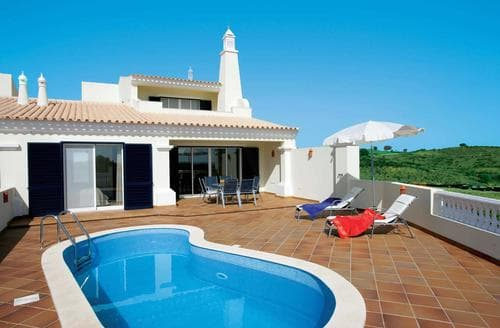 Last Minute Cottages - Villa Castro