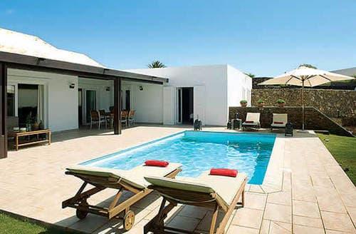Last Minute Cottages - Villa Coral
