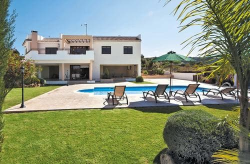 Last Minute Cottages - Villa Melody