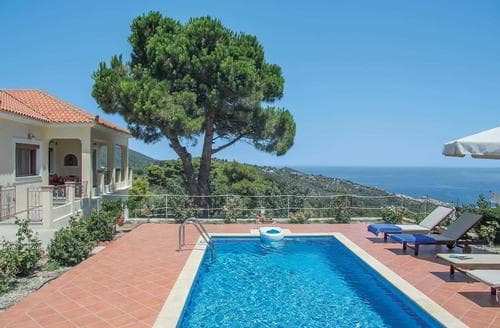 Last Minute Cottages - Ouranos