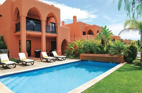 Last Minute Cottages - Villa Amendoeira III