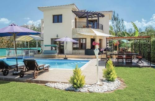 Last Minute Cottages - Athoullis Villa
