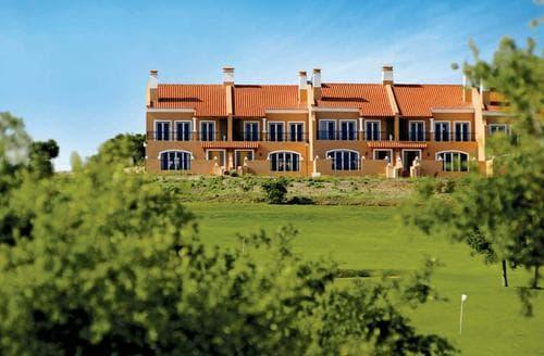 Last Minute Cottages - Royal Golf Residence