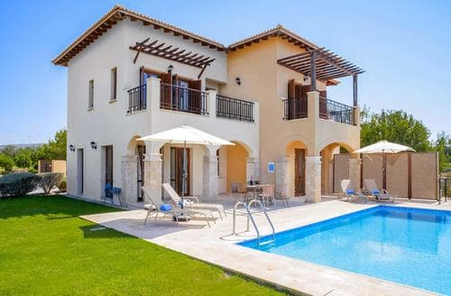 Last Minute Cottages - Theseus Village TA02