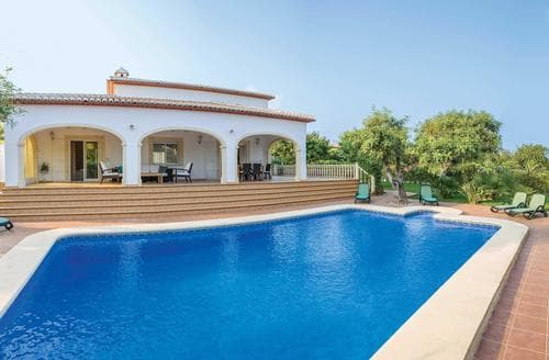 Last Minute Cottages - Casa Cereza