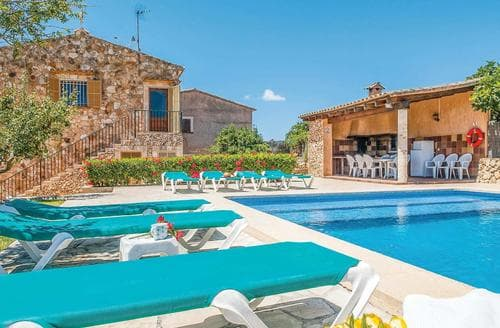 Last Minute Cottages - Son Moro