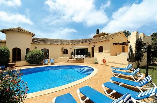 Last Minute Cottages - Villa Augusta