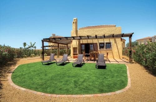 Last Minute Cottages - Desert Gold 10